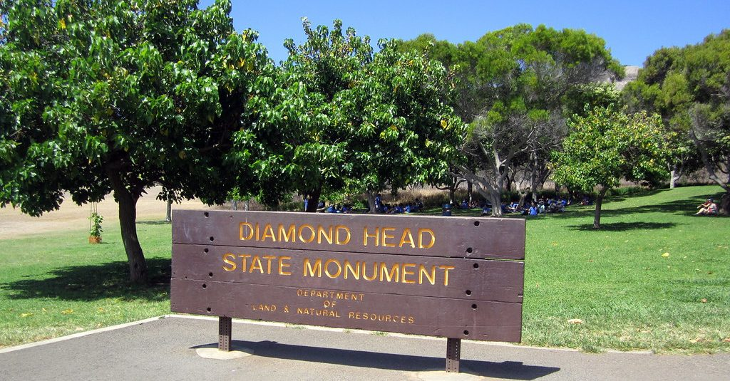 Diamond Head (Lē 'Ahi) State Monument