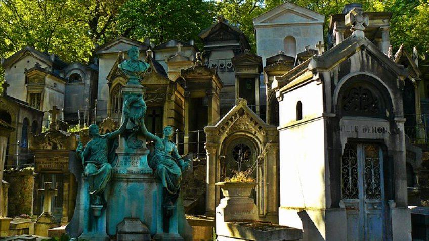 Paris Travel: The Père Lachaise Cemetery